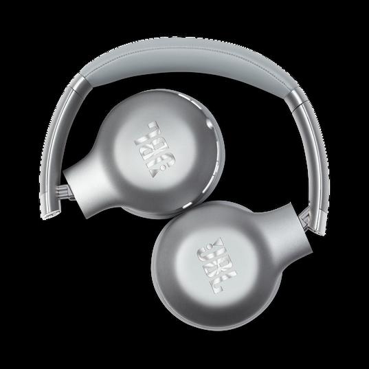 JBL EVEREST™ 310 - Silver - Wireless On-ear headphones - Detailshot 1
